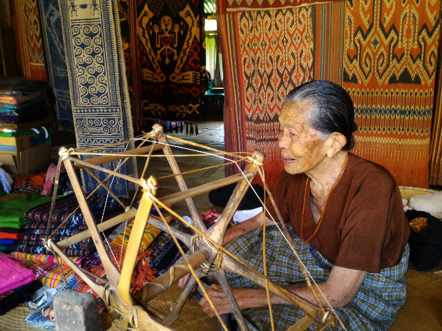 Traditional Spinning Process in Sa'dan Village, Toraja, Indonesia