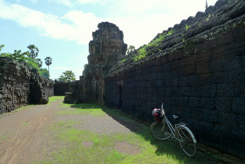 Solo Travel on a Bicycle
