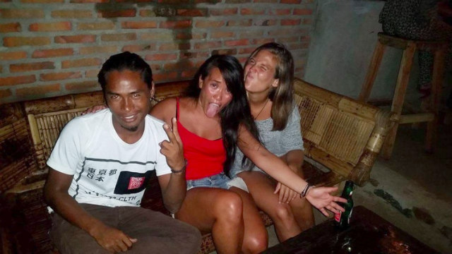 Silly times at Reggae Bar, Lombok, Indonesia